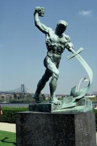Isaiah_Statue_ONU